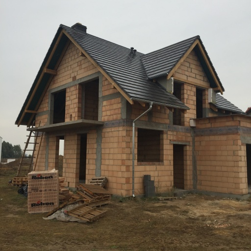 Dom Jednorodzinny Garby w Trakcie Budowy