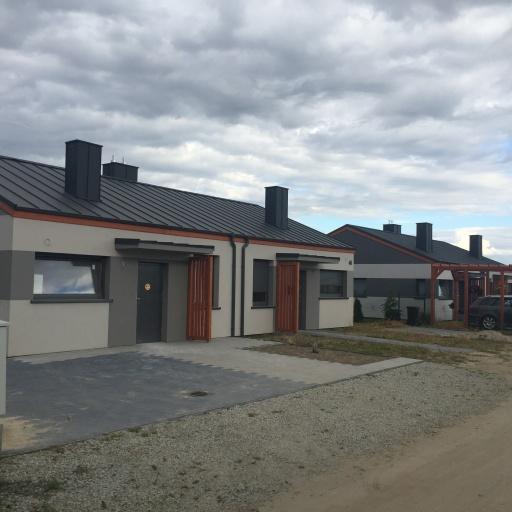 Dom Bliźniak Gowarzewo Front