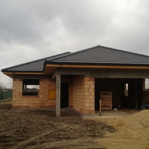 Dom Jednorodzinny Dąbrowa pod Poznaniem Front w Trakcie Budowy